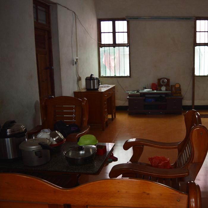 老房子客厅.JPG